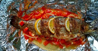 Речная форель запеченная в духовке с овощами рецепт