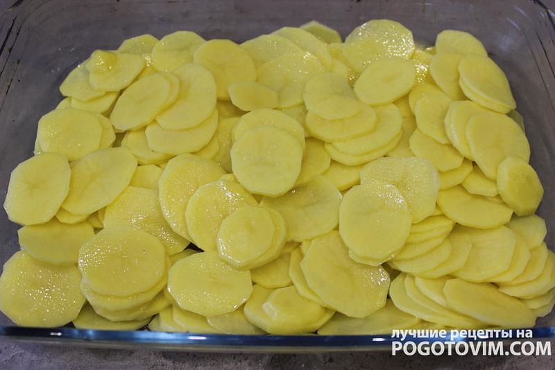 Запеченная картошка со свининой и сыром в духовке рецепт