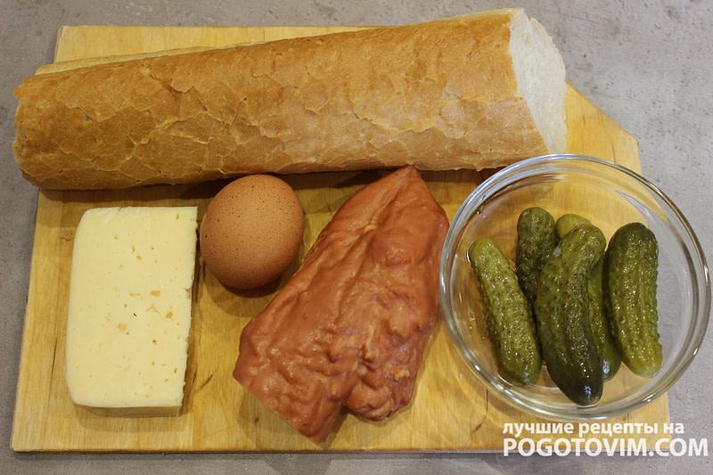 Горячие бутерброды c ветчиной, огурцом и сыром рецепт