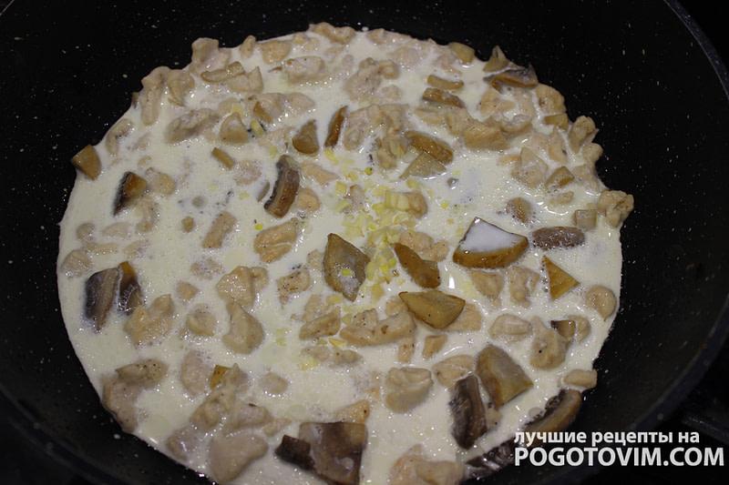 Рецепт Паста с шампиньонами и курицей со сливками